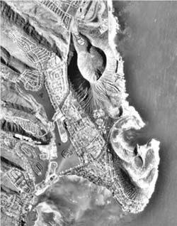 1-6-1978: Aerial Images of Hanauma Bay and Koko Marina.